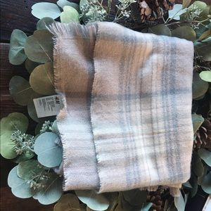H&M Trendy Soft Pink &Gray scarf